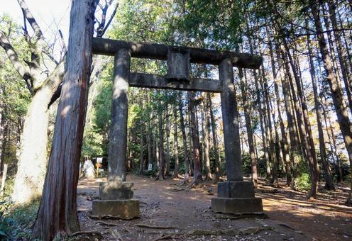 平和山鳥居神社