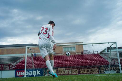 Football kick 16