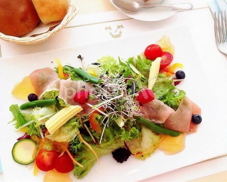 野菜サラダの写真