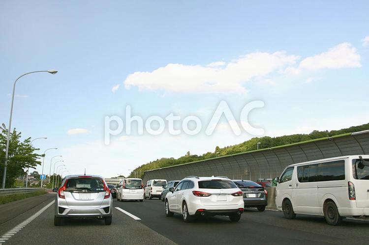 渋滞の高速道路の写真