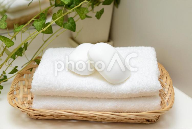 石鹸とタオルの写真