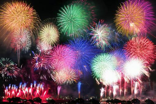 Fireworks blooming in the summer night sky of Japan-Adachi-ku, Tokyo