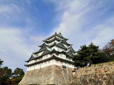 Nagoya Castle in fine weather! Gold shachihoko