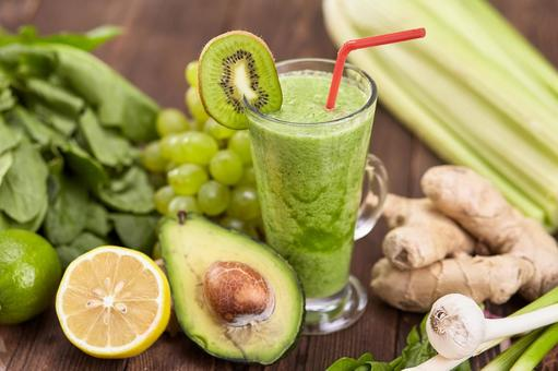 Cucumber fruit and green smoothie 5