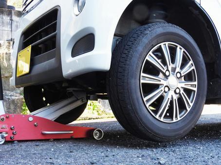 汽车轮胎更换起重器