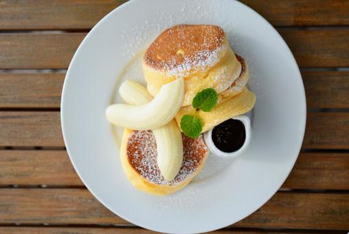 Dessert that looks delicious