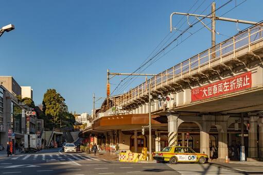 우에노 역 주변의 풍경