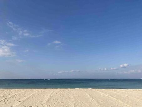 하얀 모래와 푸른 바다