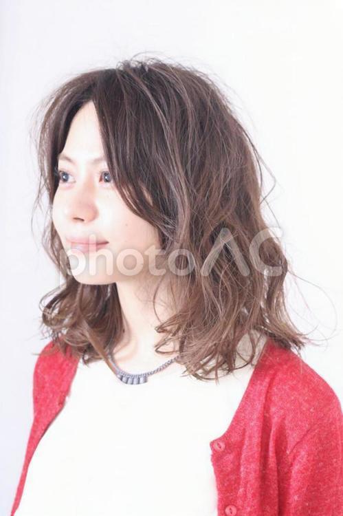 美容室にて ヘアモデルの女性 サロンモデルの写真