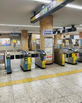 Subway station ticket gate (7)