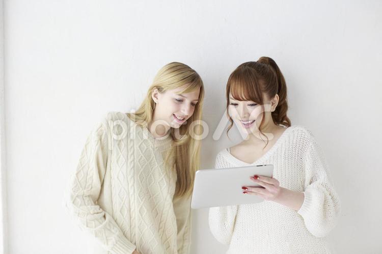 女友達 外国人と日本人27の写真