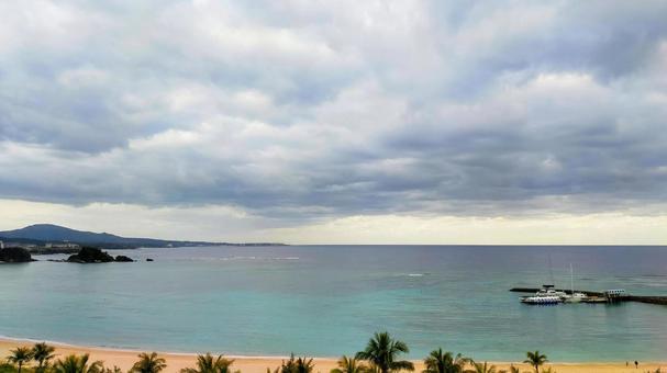 오키나와의 에메랄드 바다