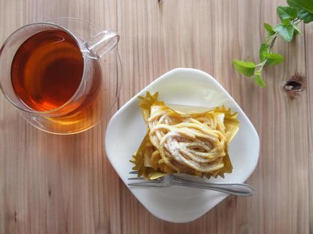 Mont Blanc cake and tea