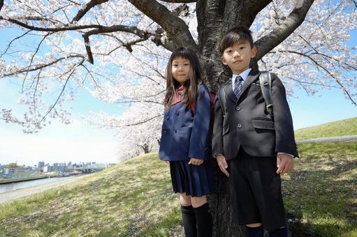 小学男生和女生3