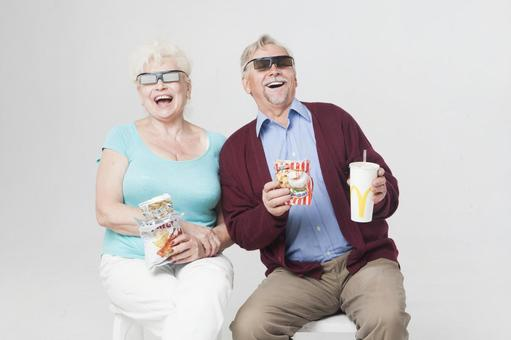 3D 영화를 보는 외국인 수석 커플 9