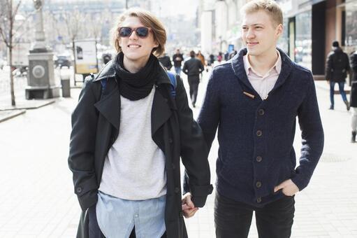 同性戀夫婦16走在街上