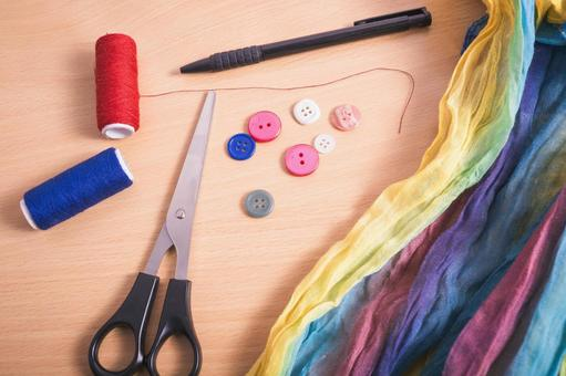 Sewing button attaching 3