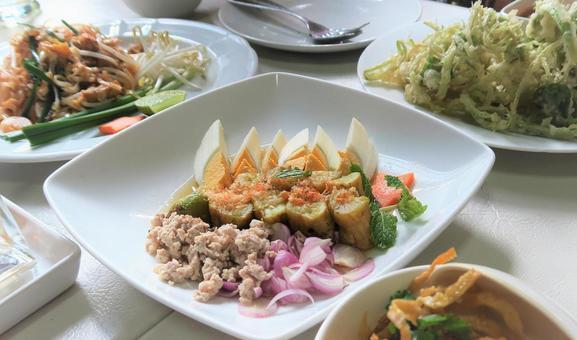 タイ料理 ヤムマクアとその他