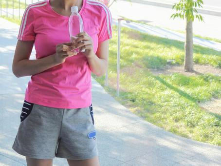 Women of sportswear and waist waist