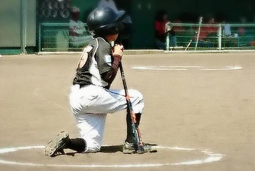 捏手击球手。