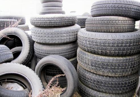 Old tires (waste tires) of illegally dumped automobiles 30