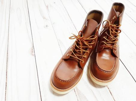 Work boots / accessories / miscellaneous goods