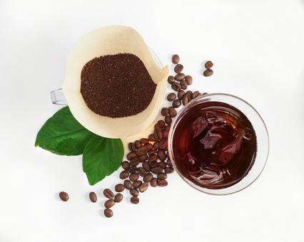커피 아이스 커피와 드립 커피