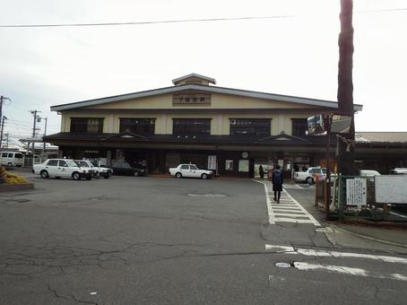 Shimosuwa Station building