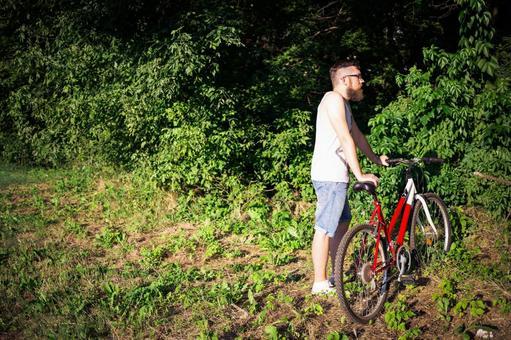 人骑自行车61
