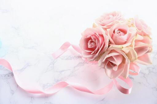 粉红玫瑰花束