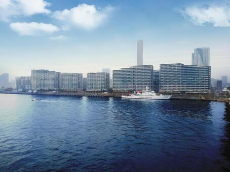 "View the Tokyo 2020 Olympic Village SEA VILLAGE (4 blocks) and the Fisheries Agency Fisheries Patrol Ship ""3rd Hakuryu Maru"" from Toyosu Ohashi"