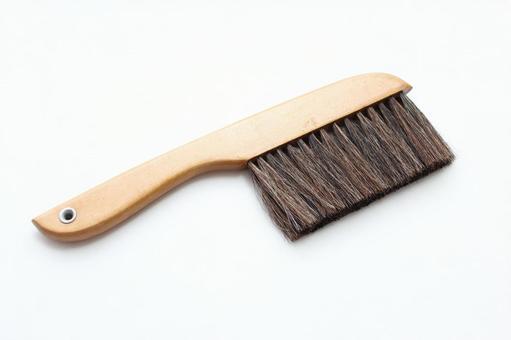 Etiquette brush