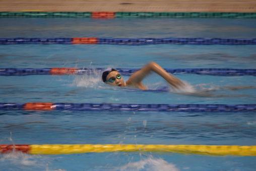 Child swimming crawl