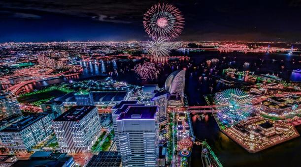 불꽃 놀이와 요코하마의 야경 (랜드 마크 타워에서 촬영)