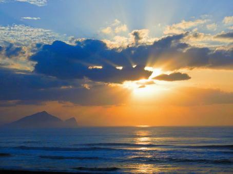 Taiwan-Yilan (Zhuangwei_亀山岛と Setting sun_Dafu Fortress Sea Landscape Day Terrace)