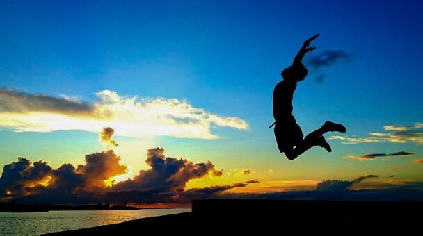 해변에서 점프