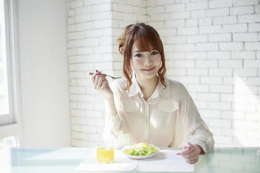 Female to take breakfast 2