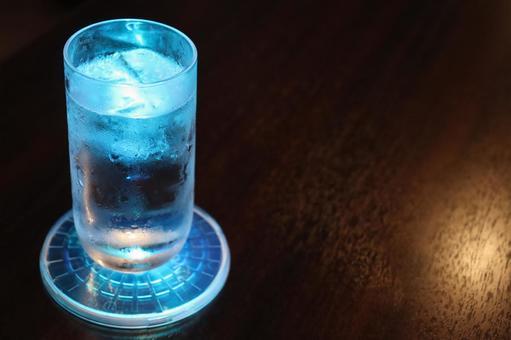 Shining glass (blue)