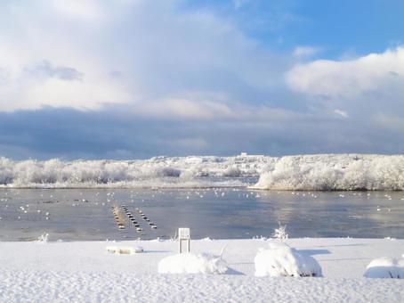 겨울의 푸른 하늘