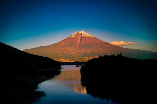 Red Fuji (Fujinomiya City)