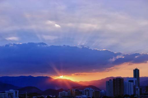 City and sunset of Honolulu 5