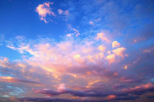 Fantastic sunset background texture wallpaper blue superb view of blue sky and clouds