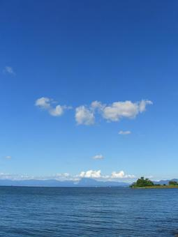 Lake and sky, clouds and mountains in Kosai 003
