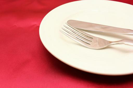 Red cloth and tableware 1