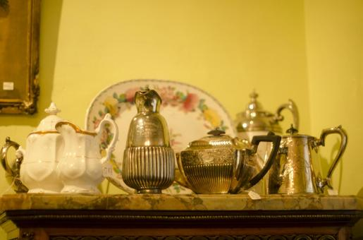 Antique tableware 9