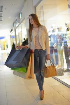 Foreigner model shopping 5