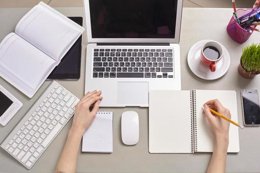 Desktop computer and stationery 6