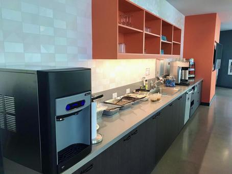 とあるコワーキングスペースのキッチンスペース