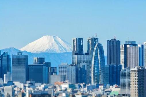 Scenery of Shinjuku and Mt. Fuji in November 2019