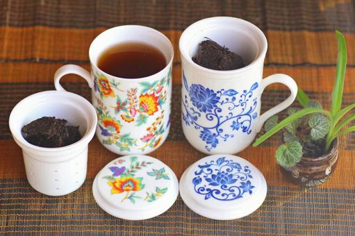 Tea set and Pu'er tea